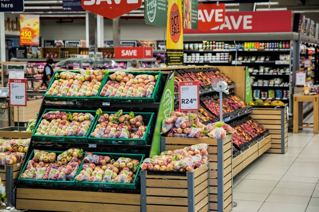 20 Sales Hacks used by Supermarkets to make you buy more